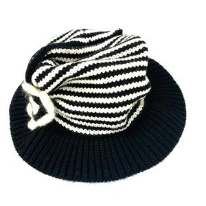 R-CAP BRAND LADIES B&W HAT WITH MATCHING SCARF